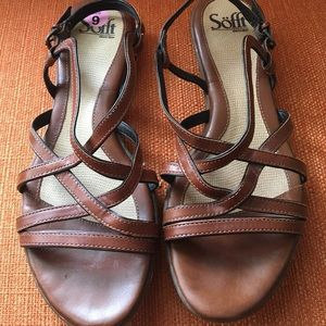 Sofft strappy sandals size 9, flat